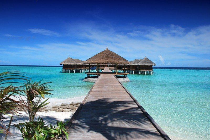 [Image: maldives-666122_1280-800x535.jpg]