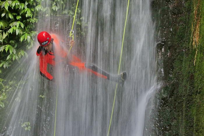 Kalimudah-Abseil-Bali-Canyoning